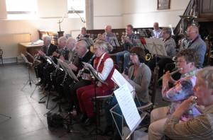 Het Vrijetijdsorkest enthousast in actie